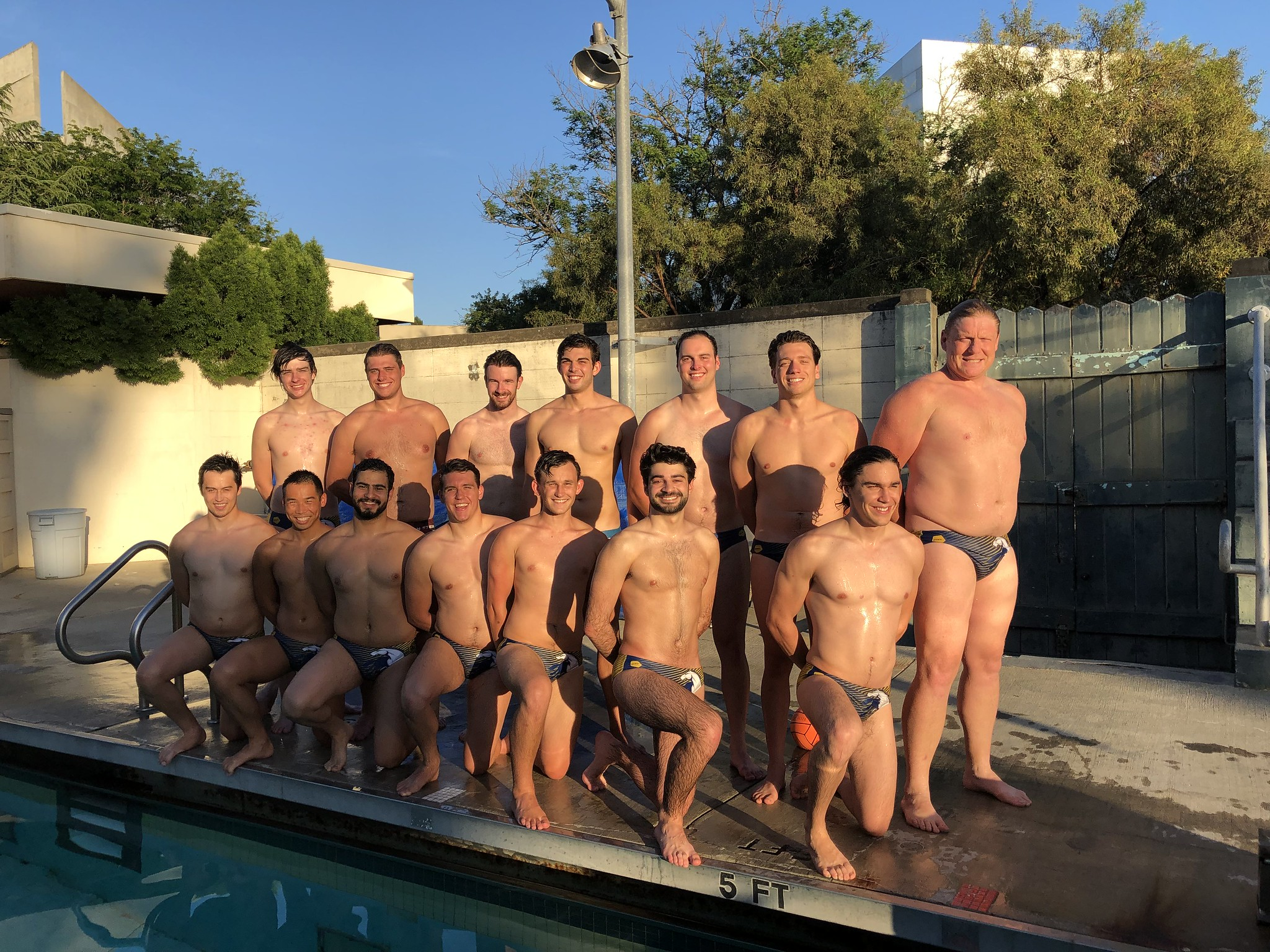 mens waterpolo team photo